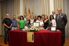 Carmen Carrasco Miembro de Honor de la UNEE